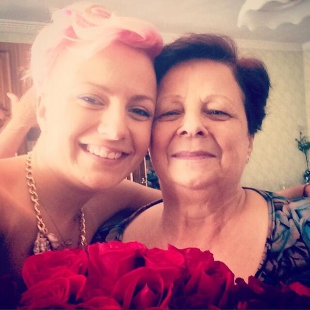 С какво Поли Генова изненада баба си за рождения й ден