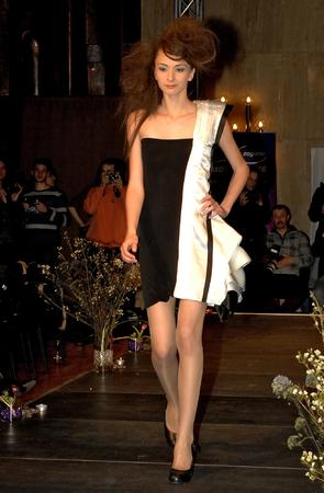 "26b1652eb899 Млади български дизайнери ""отпразнуваха красотата"" - Лайфстайл ..."
