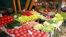 В сезона на зарзаватите ядем полски и македонски домати