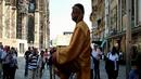 12 улични изпълнения, които ще ви скрият шапката (GIF-чета)