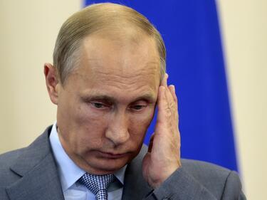 Самотен ли е Путин?