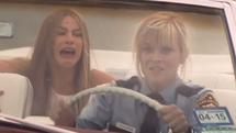 Новият комедиен тандем  Рийз Уидърспуун и София Вергара се впуска в гореща гонка (ВИДЕО)