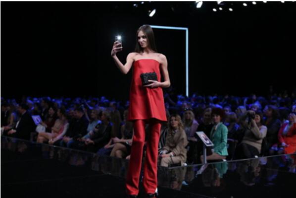 Samsung Galaxy S6 и S6 Galaxy edge завладяха модната индустрия (СНИМКИ)