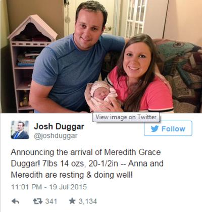 Скандалният Джош Дъгар публикува снимки на новородената си дъщеря