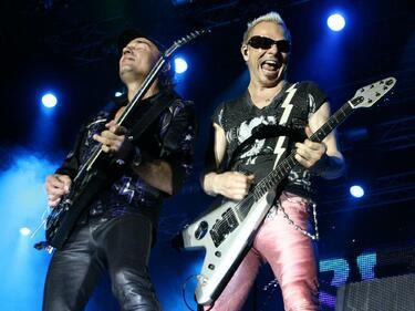 Scorpions спират концертите си в САЩ