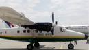 Пътнически самолет с 23-ма души на борда се разби в Непал