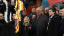 В Белград горят знамената на ЕС и НАТО, Шешел няма да се върне доброволно в Хага