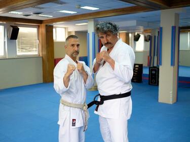 Тишо Близнака и Фидел Кастро ваят тела в спортен център