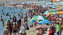 Ангелкова не иска контрола на плажовете, обяви обществена поръчка