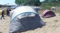 Кметът на Царево погна палатките на плажа на Корал