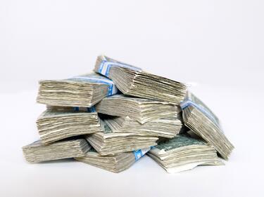 2400 са милиардерите в света, общото им състояние е близо 8 трилиона долара