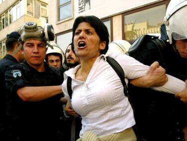 Рекордна година по вкарани в затвора журналисти, на челно място е Турция