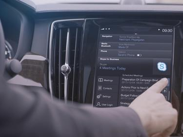 90-ките на Volvo вече имат и Skype for Business