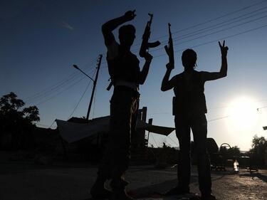 Бунтовниците в Сирия се дърпат от мирните преговори
