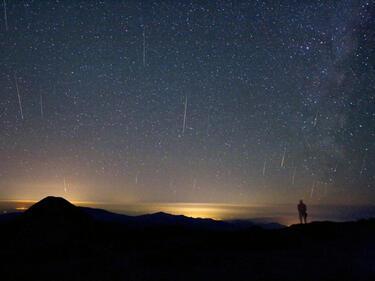 Тази нощ няма да се спи! Задава се първият звездопад за 2017 г.