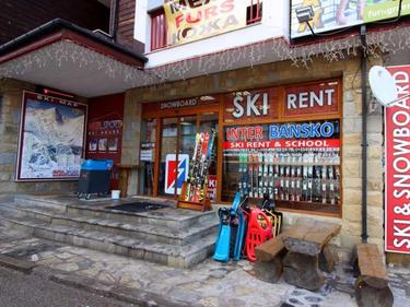 Данъчни под прикритие плъзнаха в Банско, затварят обекти