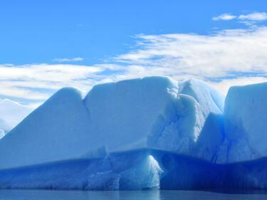 Ледник колкото Пловдивска област се откъсва от Антарктида