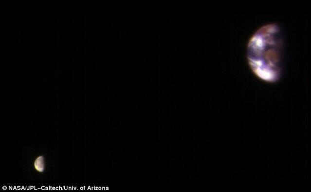 Ето как изглежда Земята, снимана от Марс (СНИМКА)