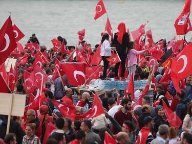 В Турция арестуват и за защита на светската република