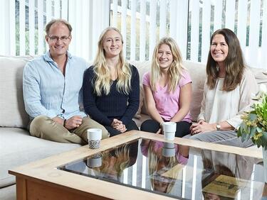 Вижте първото семейство, което ще се вози на колите без шофьор на Volvo