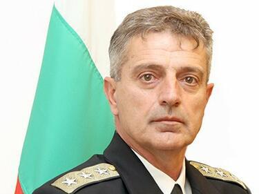 Предлагат вицеадмирал Емил Ефтимов за и.д. началникна отбраната