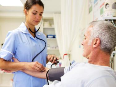 България закъса и за медицински сестри
