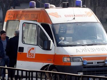 Мъж и жена оцеляха по чудо след взрив на джип