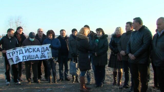 Властта: Цяла България е обгазена, само в четири общини въздухът е чист