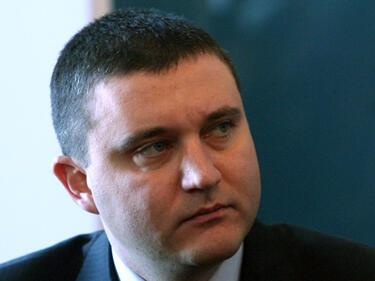 Владислав Горанов: Нинова излъга дори за киселите краставички