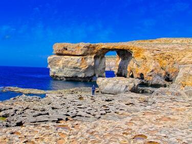 Лазурният прозорец в Малта се срути в морето (снимки)
