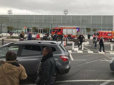 """Парижкото летище """"Орли"""" нормализира полетите си"""