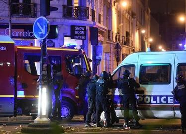 Стрелба между джихадист и полицаи в центъра на Париж