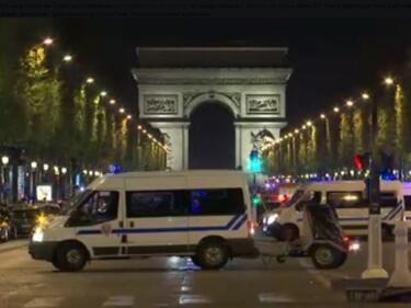 Заподозрян за атентата в Париж сам се предаде