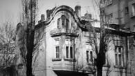 Сринаха 110-годишна къща в София с благословията на Вежди Рашидов (СНИМКИ)