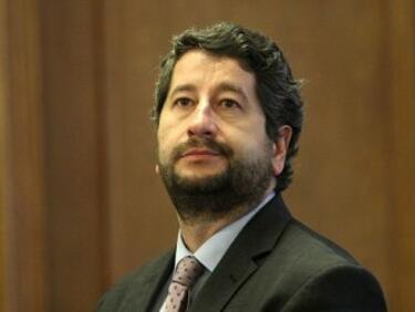 Христо Иванов: Клатя държавата, която се управлява по кьошетата и кафетата