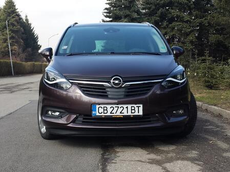 Новият Opel Transformers, пардон, Zafira (СНИМКИ)