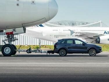 Porsche изтегли Airbus A380 (ВИДЕО)