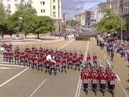 Парадът за 6 май – по-скромен, но все пак надъхващ (СНИМКИ)