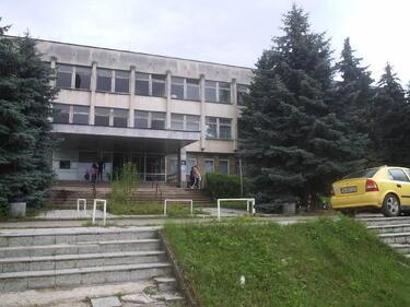 Ловешката болница остана и без кардиология, няма лекари