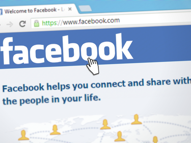 Брюксел удари Facebook с огромна глоба