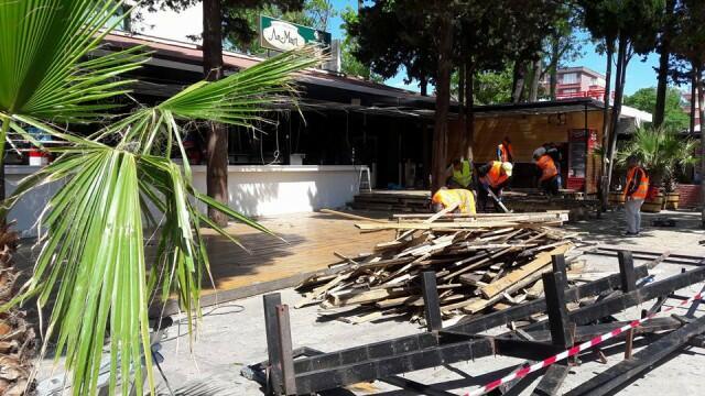 Събориха култова дискотека на плажа в Слънчев бряг(СНИМКИ/ВИДЕО)