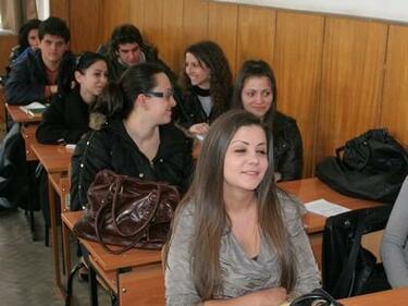 Ето ги отговорите от матурата по български и литература (СПИСЪК)