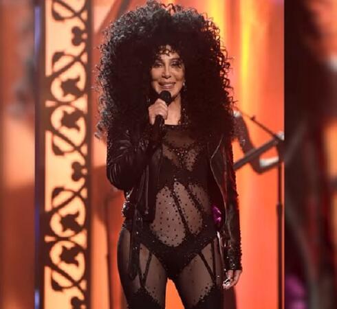 """Шер - зашеметяваща и дръзка на наградите на """"Билборд"""" (ВИДЕО/СНИМКИ)"""