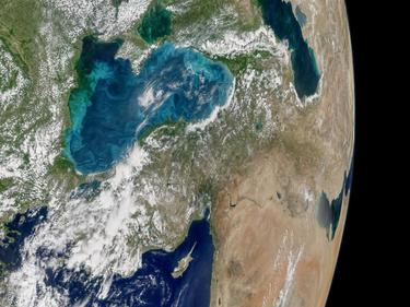 НАСА засне от Космоса тюркоазено синьо Черно море (СНИМКИ)