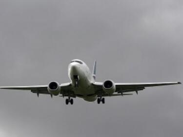 """Забраниха и лаптопи в самолетите заради пъклен план на """"Ислямска държава"""""""