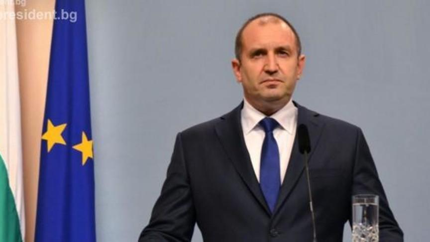Президентът Румен Радев категорично отказа да решава кои да са
