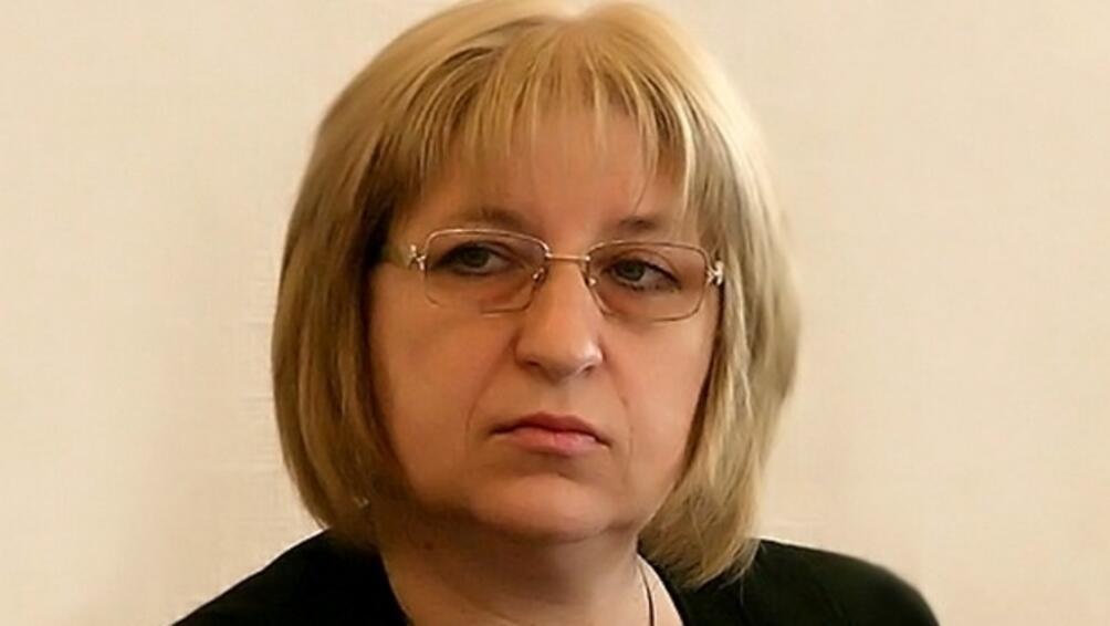 Видни юристи поискаха оставката на правосъдния министър Цецка Цачева заради