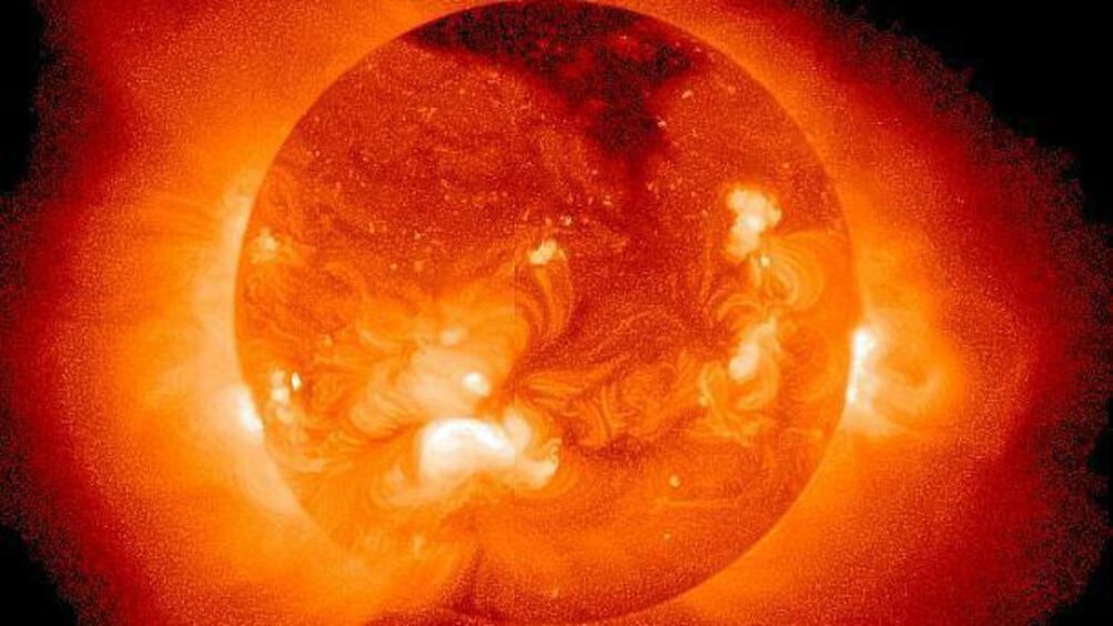 Ново изследване разкрива, че Слънцето е имало звезда-близнак и че