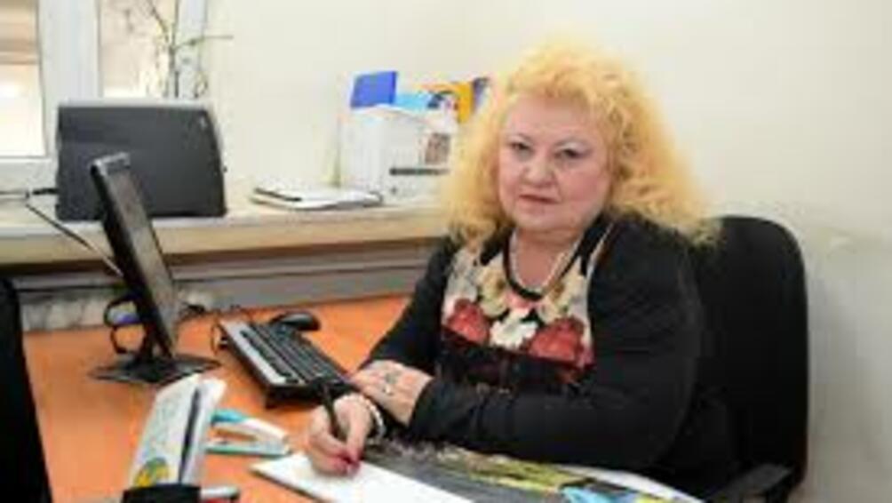 Преподавателката, от УНСС проф. Соня Докова, която бе уличена от