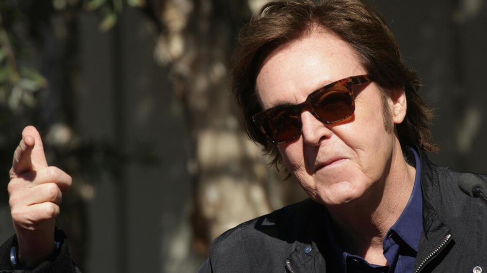 Британският композитор, певец, мултиинструменталист,член на легендарната група